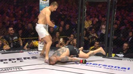 UFC最精彩的KO画面,第一个自杀式攻击,裁判都看傻眼了