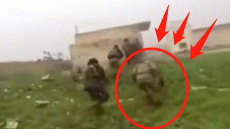 实拍叙利亚战场画面,前面那位的求生欲真强!