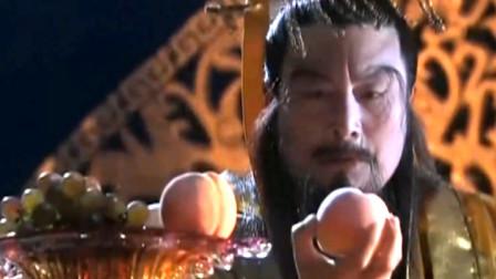 玉帝为惩罚瑶姬,扔下一颗桃化成一座山,不料十年后杨戬竟然斧劈桃山!