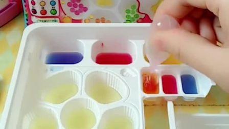 小猪佩奇要带着乔治做果冻软糖,佩奇做了很多不同口味的软糖,你们想吃吗?
