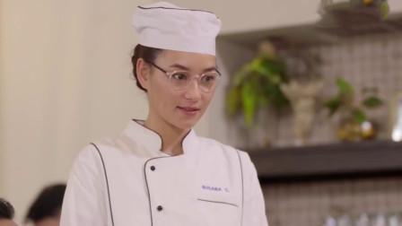 客人点名不要椰汁,不料女厨师把椰汁换成椰肉,客人直夸好吃!