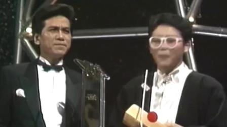 80年代的张国荣陈百强同台献歌,两个帅哥惺惺相惜