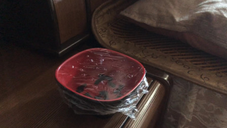 """晚上睡觉前,在床头放一碗""""水"""",很多人没想到,回家我也放一碗"""