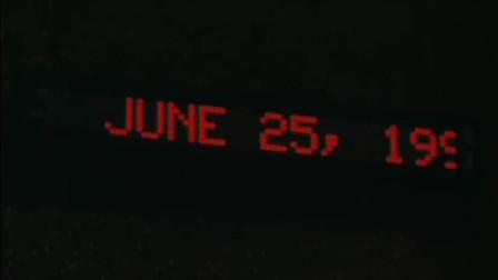 2099年的一群人,将通过时光机回到1999年,他们能否成功
