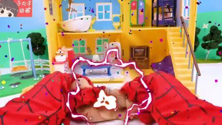 小猪佩奇一家玩耍彩泥制作小动物