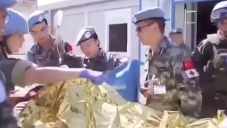 中国救援队来了!中国赴黎巴嫩维和医疗分队在爆炸地展开救援