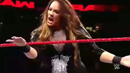 WWE女子赛:女子摔跤手的个人恩怨,下手太凶猛了
