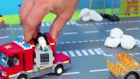 儿童玩具车:赛车开启竞赛,消防车、拖车救援事故赛车!