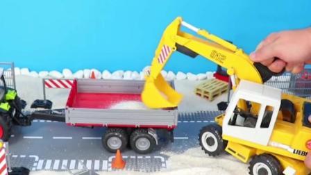工程车玩具:挖掘机挖沙子装载拖拉机运输