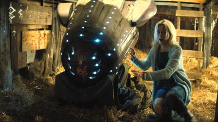女子从飞船捡到外星宝宝,偷偷把他养大,结果却遭血光之灾