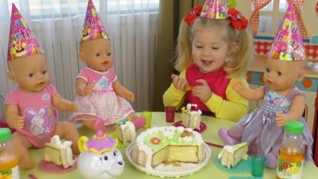 国外儿童时尚,萌宝过生日和萌宝一起来切蛋糕吧!蛋糕好吃吗