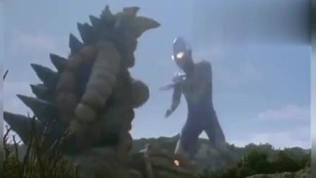 奥特曼:迪迦被怪兽打惨了, 换个形态直接锤爆怪兽, 迪迦真的怒了