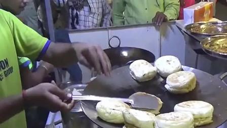 印度美食瓦达帕夫辣,面包中间抹点黄绿咖喱,手搓点调料就好了!