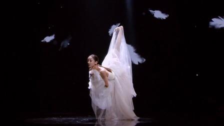 李祎然独舞《记忆的独白》,用慢慢的舞步展示内心的独白 快剪  0808173147