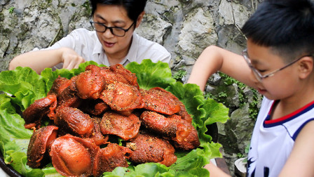 九九把鸡胗做出牛肉的味道,越嚼越香,粗鲁老九也变斯文了真开心