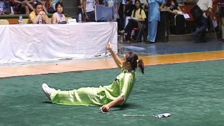 2005年全国武术套路冠军赛传统项目比赛 女子器械 015 女子双鞭 何欣(天津)