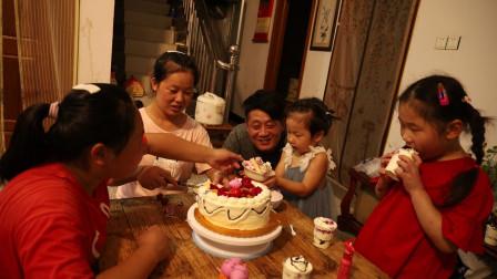 外甥女生日,胖妹带女儿去蹭饭,自制蛋糕很温馨,6菜一汤吃过瘾