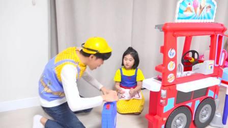 国外儿童时尚,小萝莉和叔叔玩餐车游戏做披萨,一起来玩吧