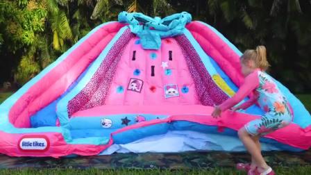 国外儿童时尚,小萝莉的新玩具,看起来好好玩
