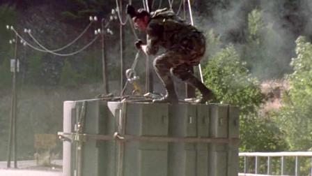 美国士兵被盗的核弹,追进了俄国,却被俄国拦截《末日戒备》