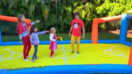 国外儿童时尚,娜斯佳和她的朋友们一起玩户外运动她们在打篮球吗