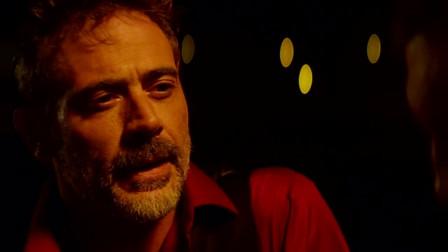 沃恩找黑老大借钱,不料黑老大当场发飙,沃恩决定去抢他的钱