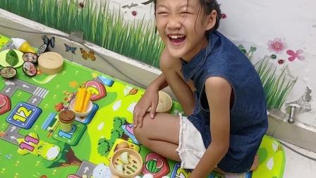 开箱厨房玩具,弟弟准备披萨甜甜圈好多美食,和姐姐一起玩过家家