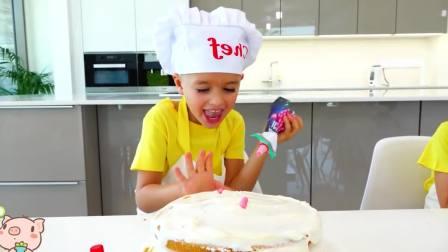 国外儿童时尚,小正太为妈妈庆祝生日好漂亮的生日蛋糕啊
