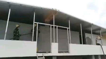 聚氨酯喷涂机用于养殖场大棚,保温喷涂