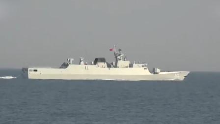 """解放军护卫舰、直升机联合""""猎杀""""潜艇:果断发射鱼雷精准歼敌!"""
