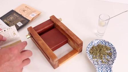 用木头自制一台卷烟机,真佩服这动手能力
