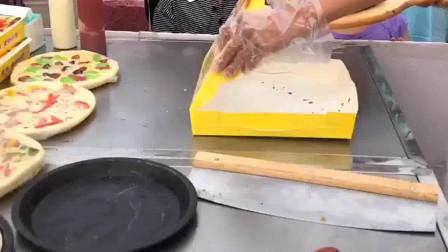 美女辞掉工作,在街边买自制披萨,第一天摆摊赚了几百块!