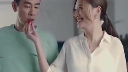 看到陈小春应采儿,我想这大概就是爱情最好的模样吧。