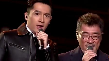 """别以为大哥""""靳东""""才会唱歌,胡歌唱起歌来,开口就是冠军范"""