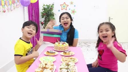 国外儿童时尚,小正太兄妹制作美味蛋糕,给妈妈庆祝生日