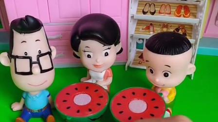 乔治和小头爸爸借东西,还盯上大头家的西瓜了,想吃的流口水呢!