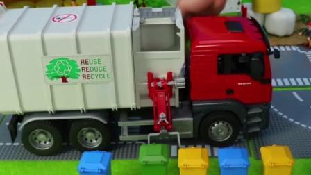 儿童玩具车表演:环卫车清理回收垃圾运输!