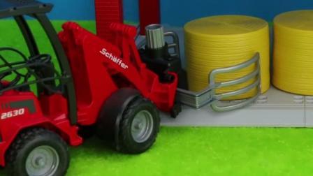 儿童玩具车表演:运输车运送小马,夹铲车搬运饲料!