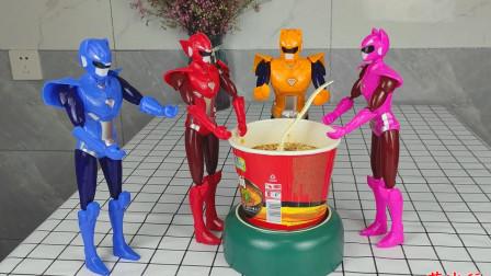 迷你特工队打完怪兽饿了,他们一起分享吃红烧牛肉面
