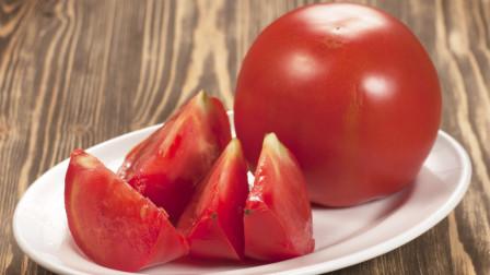 西红柿要选母的,看顶部一眼就能分辨,沙瓤多汁,避开催熟西红柿