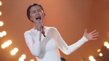 谭维维高超唱功看呆小鲜肉,深情演唱《有故事的人》,太美了!