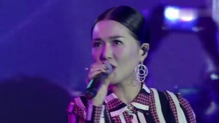 谭维维惊艳开嗓,演唱经典《如果有来生》,都听入迷了!