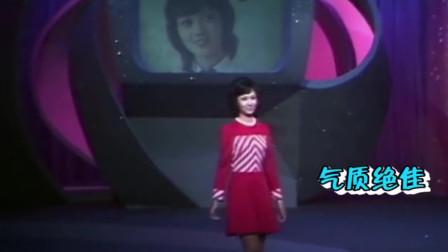 19岁赵雅芝参加港姐比赛,一张娃娃脸惊艳众人,穿泳衣好身材抢镜