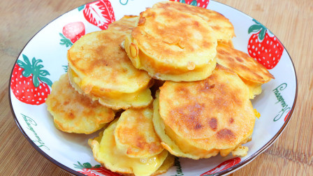 这才是红薯饼最好吃的做法,外酥里糯,咸香美味,学会了可以摆摊