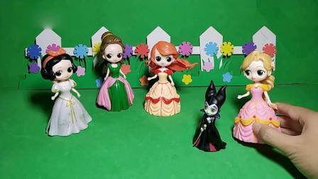 趣味玩具;女巫想吃月饼,可是没有人给她送!