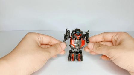小猪佩奇机器人超级变身成小汽车