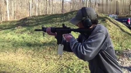 一起看看美国奇葩装备点50大口径的贝奥武夫自动步枪