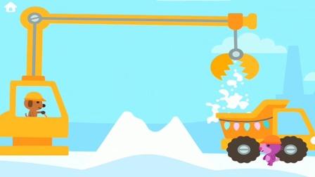 挖掘机和吊车合作运雪做房子