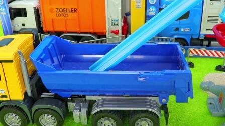 工程车玩具:翻斗车运输沙子,压路机压平道路