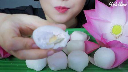 """越南ASMR吃播""""柔软的雪球蛋糕"""",颜值很高,听这咀嚼音,吃货欧尼吃得真馋人"""